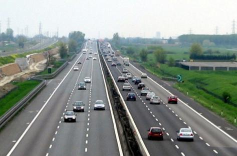 Più traffico in autostrada, meno incidenti