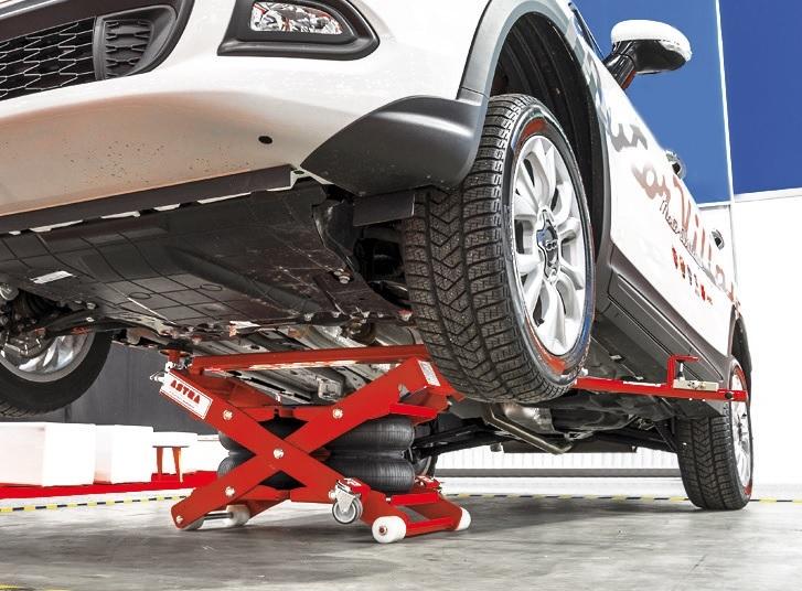 I sollevatori portatili astra facilitano il lavoro dei for Ponte sollevatore mobile per auto
