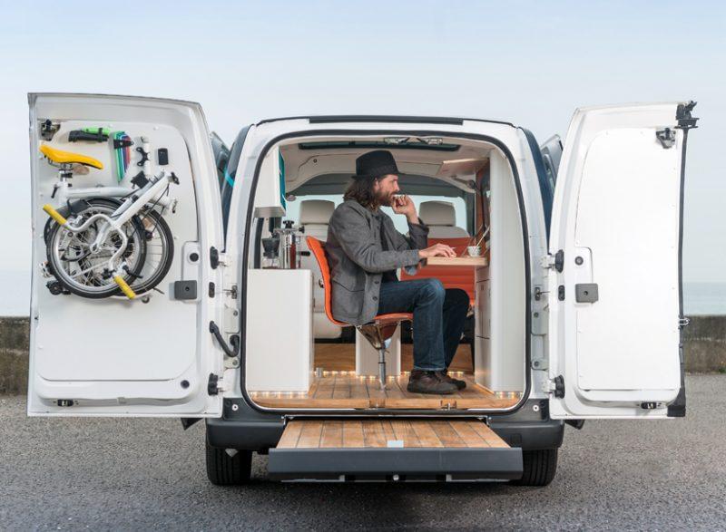 Nissan crea il primo ufficio su ruote