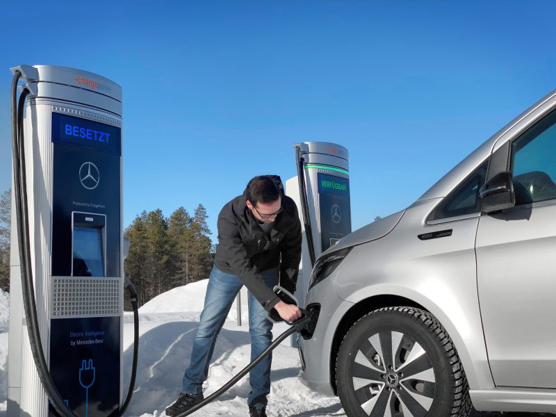 Regno Unito 2030: stop a vetture a benzina e gasolio