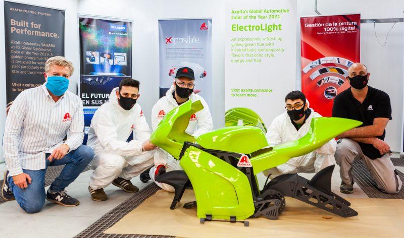 Un' innovativa moto elettrica verniciata con il colore ElectroLight di Axalta