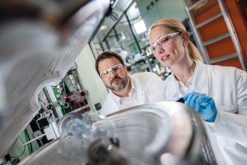 Veicoli elettrici: BASF e PORSCHE insieme per batterie a ioni di litio di ultima generazione