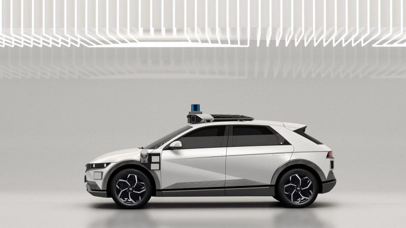 Il taxi è senza conducente: Hyundai e Motional presentano il robotaxi IONIQ 5