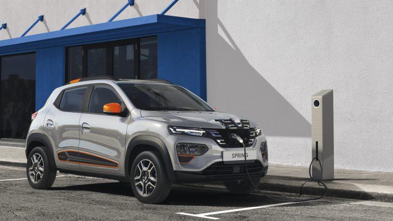 Dacia lancia l'elettrica per tutti