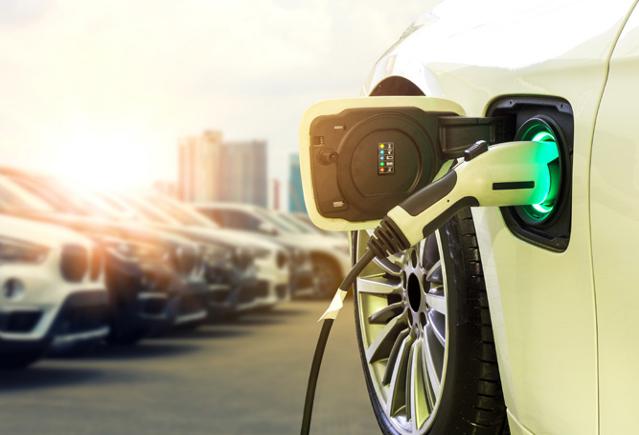 Auto elettrica, le previsioni del rapporto White Paper