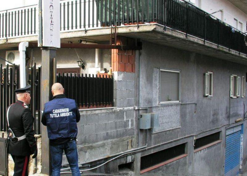 Carrozzeria abusiva sequestrata nel catanese