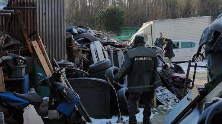 Sequestrata carrozzeria abusiva con discarica rifiuti a Cesano