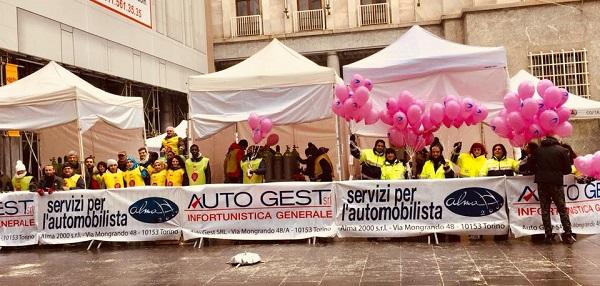 """La carrozzeria Alma2000 a fianco di """"Just The Woman I am"""" per la cura del cancro"""
