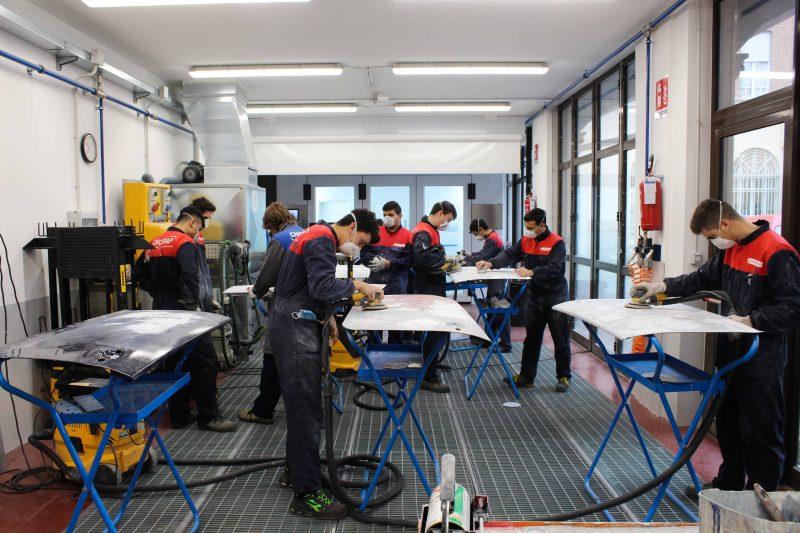 A scuola con Standox: continua la collaborazione con le scuole professionali di carrozzeria